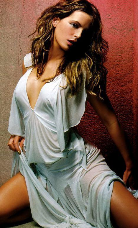 Kate Beckinsale - 8